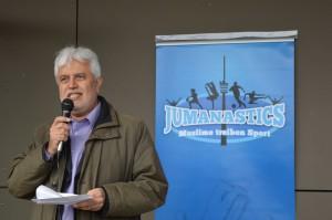 Der Vorsitzende der Islamischen Gemeisnchaft Baden-Württemberg begrüßt die Jumanastics