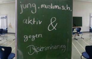 Die JumanerInnen mit einem Workshop an der Schule